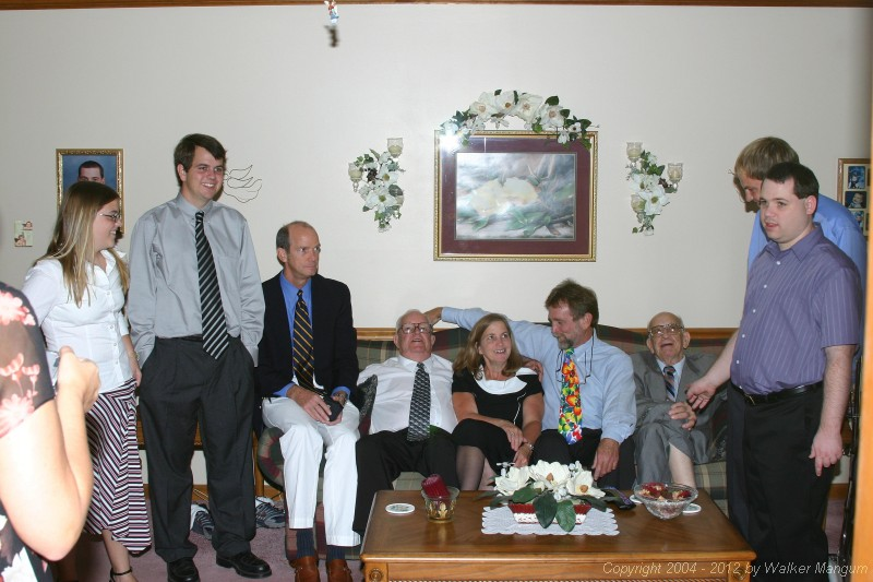 Family photo - Melissa, Van, Steve, Big Walker, Suzanne, Little Walker, Fellow, Will, and Trip